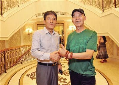 李章洙重返重庆会老寰岛球员 与李伯清聊世界杯